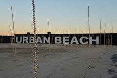 Lisbon schronienie, Portugalia Miastowa plaża przy zmierzchem Zdjęcia Royalty Free