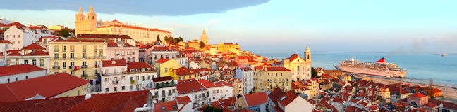 Lisbon Stara Grodzka linia horyzontu zdjęcia stock