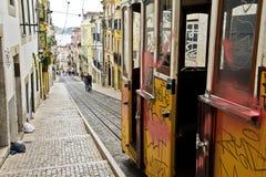 Lisbon tramwaj i ulica obrazy royalty free