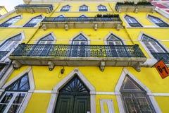 Lisbon typiska byggnader Arkivfoton