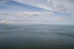 Lisbona, Portogallo - 17 settembre 2006: Tago del fiume con Vasco da Immagini Stock