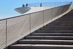 Lisbona, sospensione 25 del punto di riferimento del ponte di aprile Immagine Stock Libera da Diritti