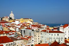 Lisbona - vista sopra Alfama Fotografia Stock