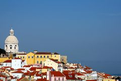 Lisbona - vista sopra Alfama Fotografie Stock