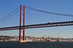 Lisbonne, 25ème de la passerelle d'avril Image stock