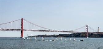 Lisbonne - 25 De Abril Metallic Bridge Image stock