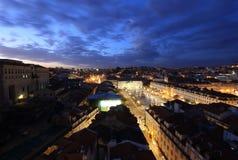 Lisbonne pendant la nuit Photographie stock libre de droits