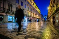 LISBONNE, PORTUGAL - 26 janvier 2011 : Le Rua Augusta est un secteur à Lisbonne inférieure près du Praca font Comercio Photos libres de droits