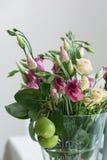 Lisianthus florece el manojo Imagen de archivo libre de regalías