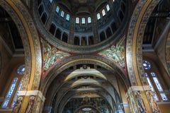 Lisieux, France - 7 septembre 2016 : À l'intérieur de la basilique de Sain Image libre de droits