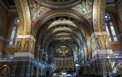 Lisieux, France - 7 septembre 2016 : À l'intérieur de la basilique de Sain Photo stock