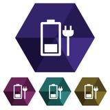 Liso, ícone de carregamento da bateria do hexágono Quatro variações da cor Isolado no branco imagem de stock