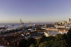 Lissabon behållareport royaltyfri foto