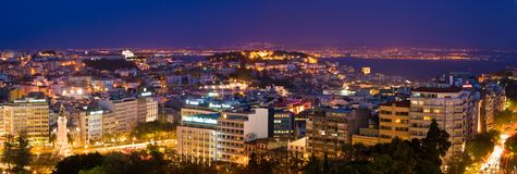 Lissabon bij nacht stock afbeeldingen