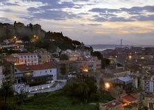 Lissabon bij Schemer stock afbeeldingen