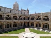 Lissabon borggården av klosterDOS Jeronimos Arkivfoto