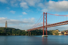 Lissabon 25 DE Abril Bridge Stock Afbeelding