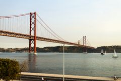 Lissabon - 25 De Abril Suspension Bridge Lizenzfreies Stockfoto