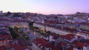 Lissabon från ovannämnda - den flyg- sikten över staden - LISSABON - PORTUGAL - JUNI 17, 2017 stock video