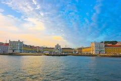 Lissabon horisont, gammal stadflodstrandfyrkant, lopp Portugal Arkivfoton