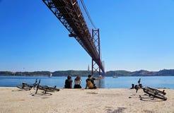 Lissabon, Marksteinsuspendierung 25 von April-Brücke Stockfoto