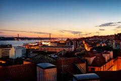 Lissabon natt royaltyfria foton