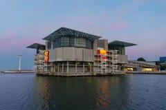 Lissabon Oceanarium bij zonsondergang royalty-vrije stock fotografie