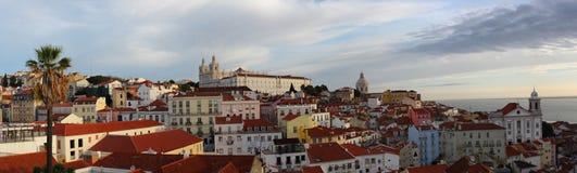 Lissabon områdesAlfama panorama Arkivbild