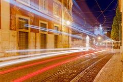 lissabon Oude straat bij nacht Stock Fotografie