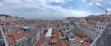 Lissabon - panoramasikt Arkivfoton