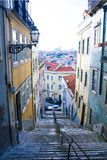Lissabon Portugal: Alfama travessa Damasceno Monteiro Royaltyfri Bild