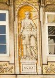 Lissabon Portugal: allegoriska tegelplattor som föreställer vatten Royaltyfri Fotografi