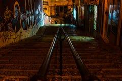 Lissabon, Portugal - 2019 Die Treppe zum Barrio-Alt von Lissabon lizenzfreie stockfotografie