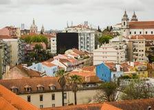 Lissabon, Portugal: een gedeeltelijke mening van westelijk gebied Stock Afbeelding