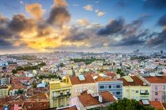 Lissabon, Portugal horisont och slott Royaltyfri Foto