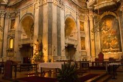 Lissabon Portugal: inre Estrela basilika, sikt av koret Royaltyfri Bild