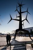 LISSABON, PORTUGAL - Januari 31, 2011: Modern beeldhouwwerk door Jorge V Royalty-vrije Stock Foto