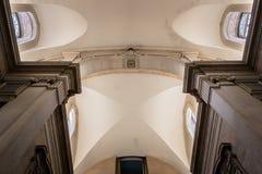 Lissabon, Portugal - Maart 17, 2019 - Perspectief van het binnenlandse plafond van het Geldmuseum stock foto's