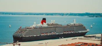 LISSABON, PORTUGAL - 4. MAI: Eine Ansicht der Königin Elizabeth und der Königin V stockbild