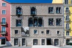 Lissabon Portugal - Maj 17, 2017: Historiskt hus f för CasaDOS Bicos Royaltyfri Bild