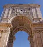 Lissabon Portugal - Maj 14: Rua Augusta Arch i Lissabon på Maj 14, 2014 Den omvända sidan Rua Augusta Arch i Lissabon Royaltyfria Bilder