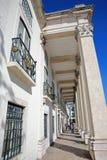 LISSABON PORTUGAL - NOVEMBER 5, 2017: Yttre fasad av det militära museet Museu Militar med en justering av kolonner och bearbetat Fotografering för Bildbyråer