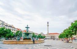 LISSABON, PORTUGAL - 12. OKTOBER 2012: Abendszene von Rossio Squ Stockbild