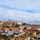 Lissabon Portugal stadhorisont på Alfamaen royaltyfri bild