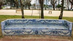 Lissabon Portugal: trädgårds- bänk som täckas med tegelplattor Fotografering för Bildbyråer