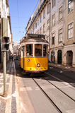 Lissabon-Straßenbahn 28 lizenzfreie stockbilder