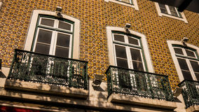 Lissabon tegelplattafaçade Royaltyfria Bilder