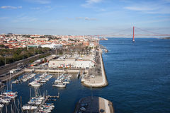 Lissabon- und Belem-Jachthafen bei Tejo River in Portugal Lizenzfreie Stockfotos