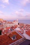 Lissabon, zacht violette zonsondergang Stock Foto