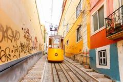 Lissabons Gloria funikulär klassifiziert als Nationaldenkmal offen Lizenzfreies Stockfoto